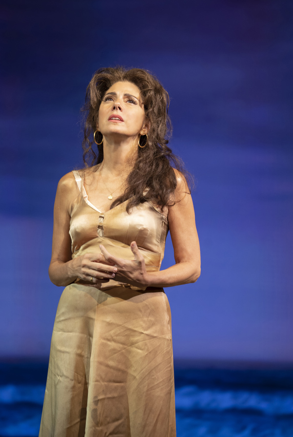 Photo Flash: First Look at Marisa Tomei and the Cast of THE ROSE TATTOO